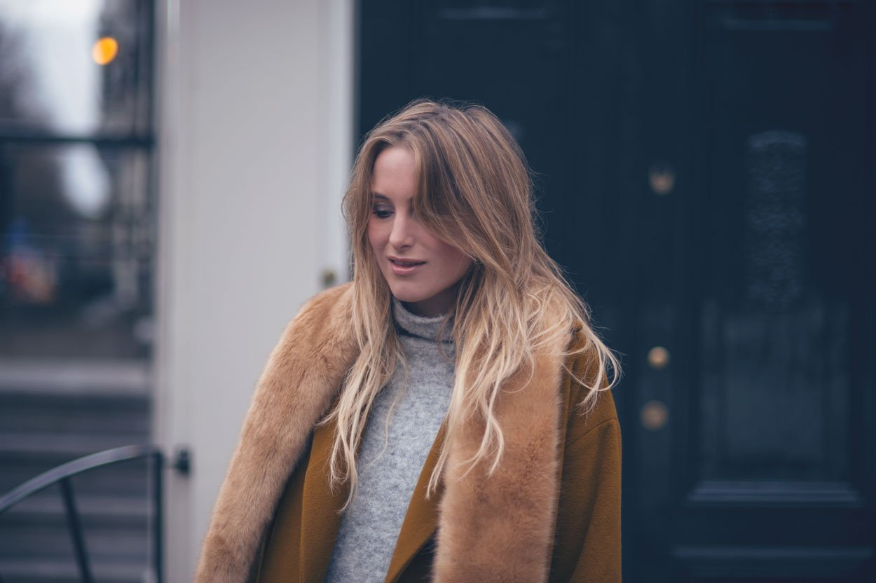 faux fur fashion blogger