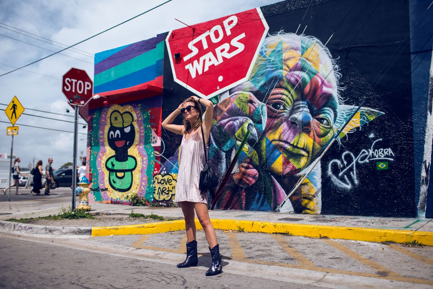 rebecca-laurey-fashion-blogger-wynwood-miami