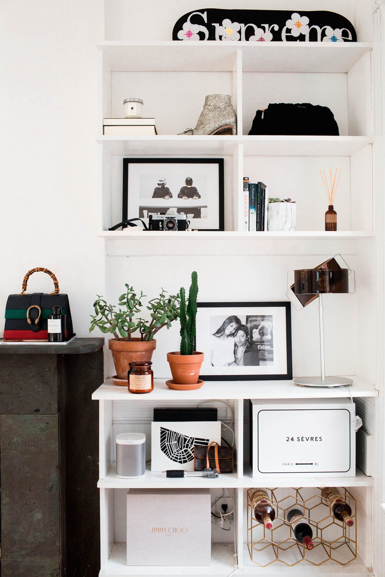 http://rebeccalaurey.com/2018/03/06/a-look-into-my-nyc-apartment